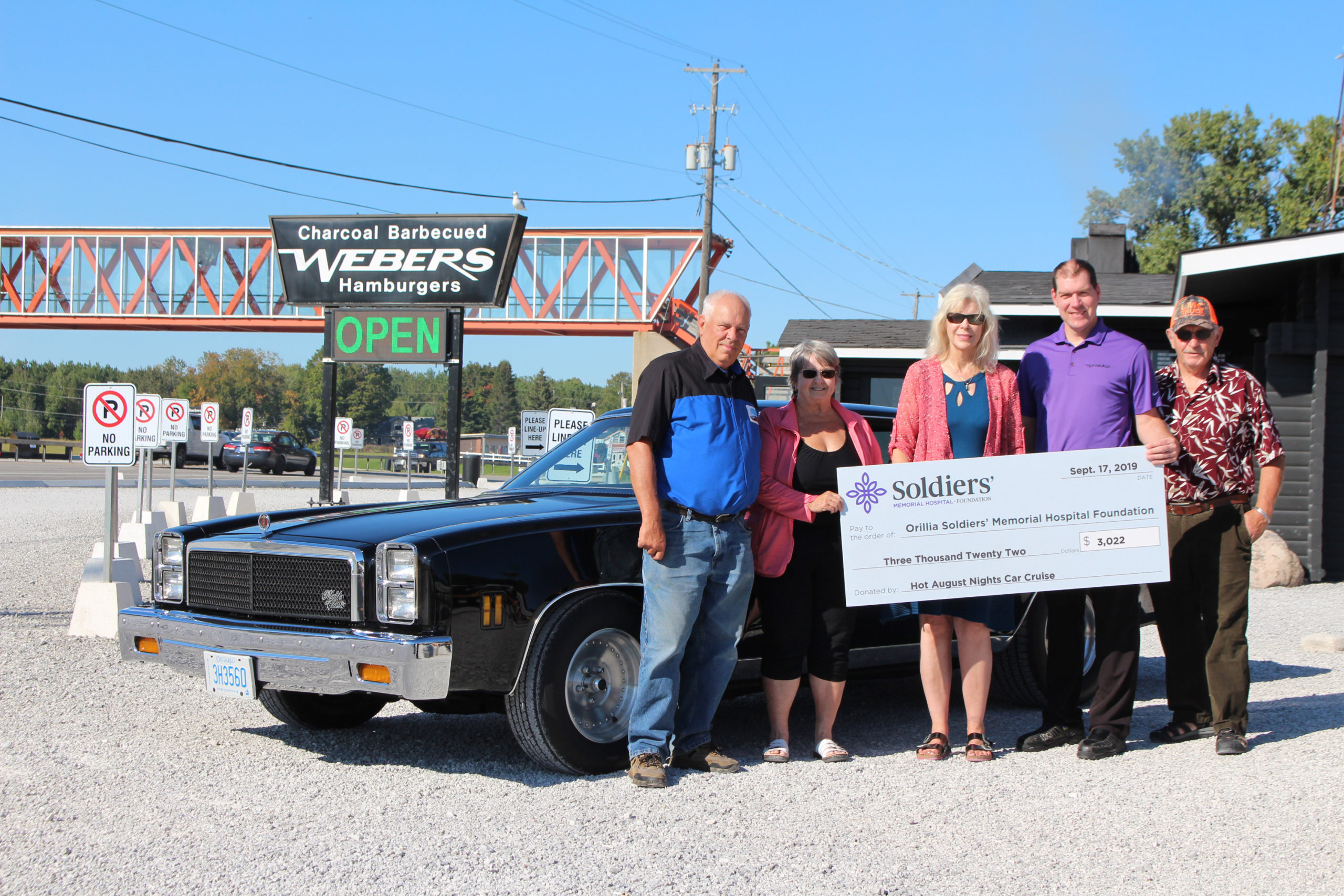Hot-August-Nights-Car-Cruise-Cheque-Presentation